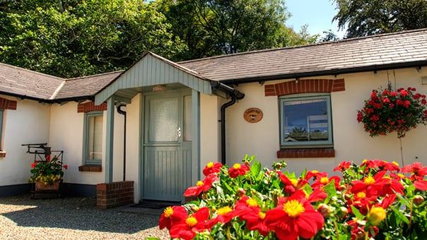 Sandpiper Cottage Exterior Main